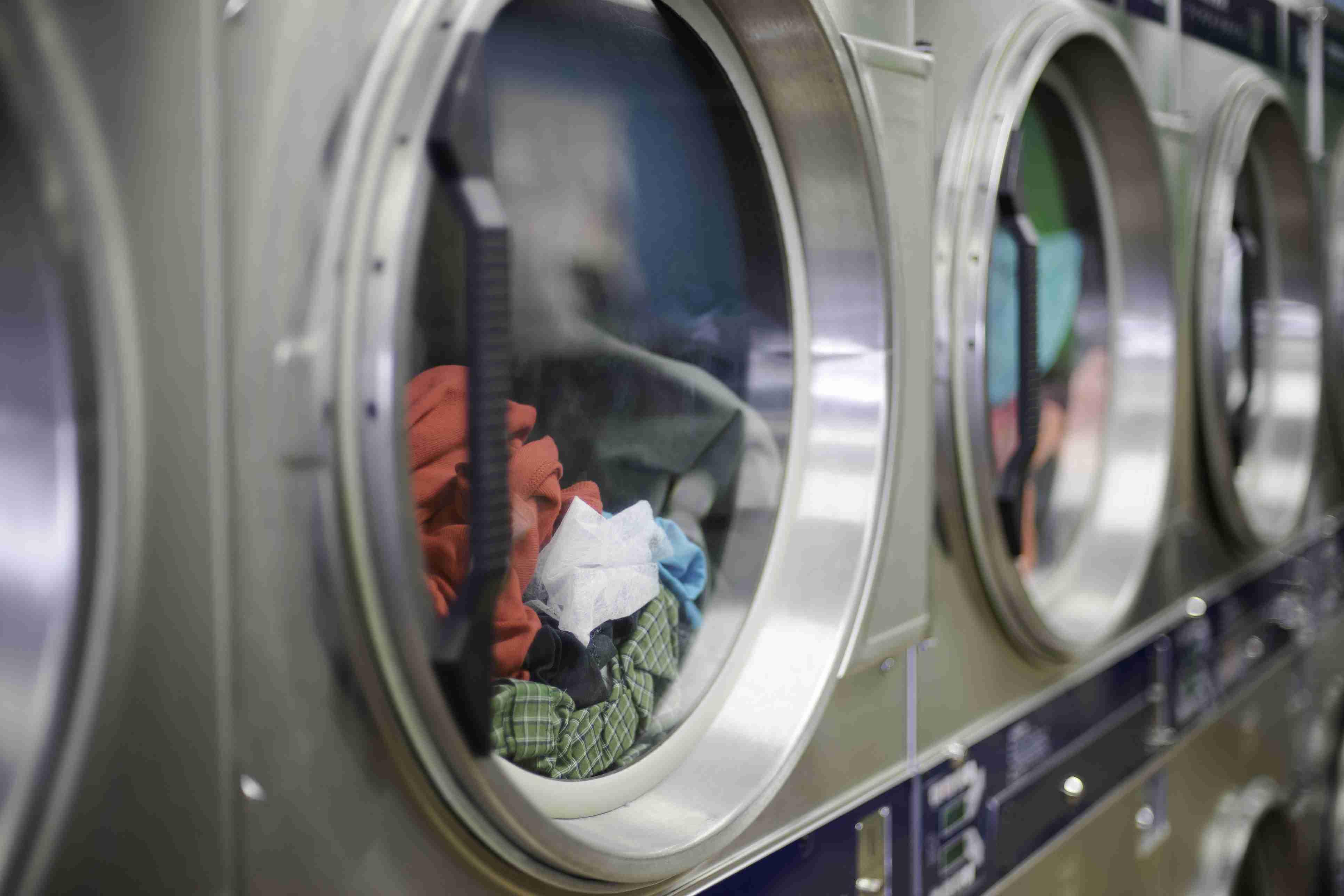 Laundromat machines