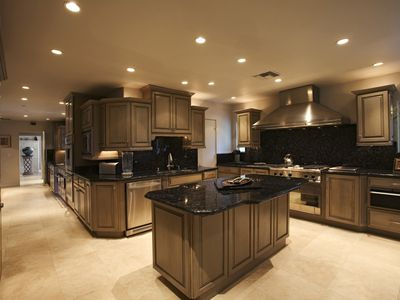 select the best interior paint color for a small house
