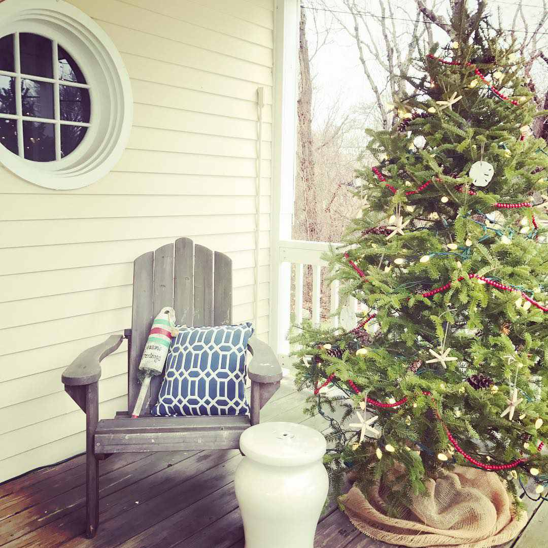 11 Chic Beach Christmas Decorating Ideas