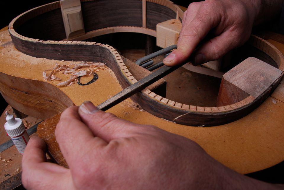 Kerf Method to Bend Wood