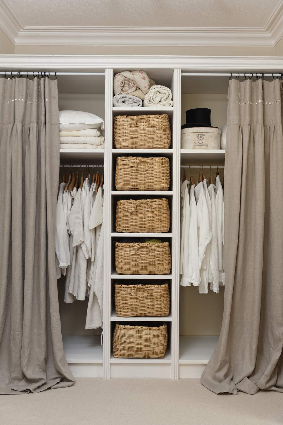 Awesome Ideas for Clothes Storage without Closet