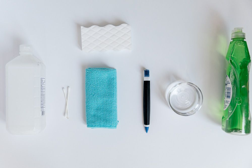 materials for cleaning a laptop