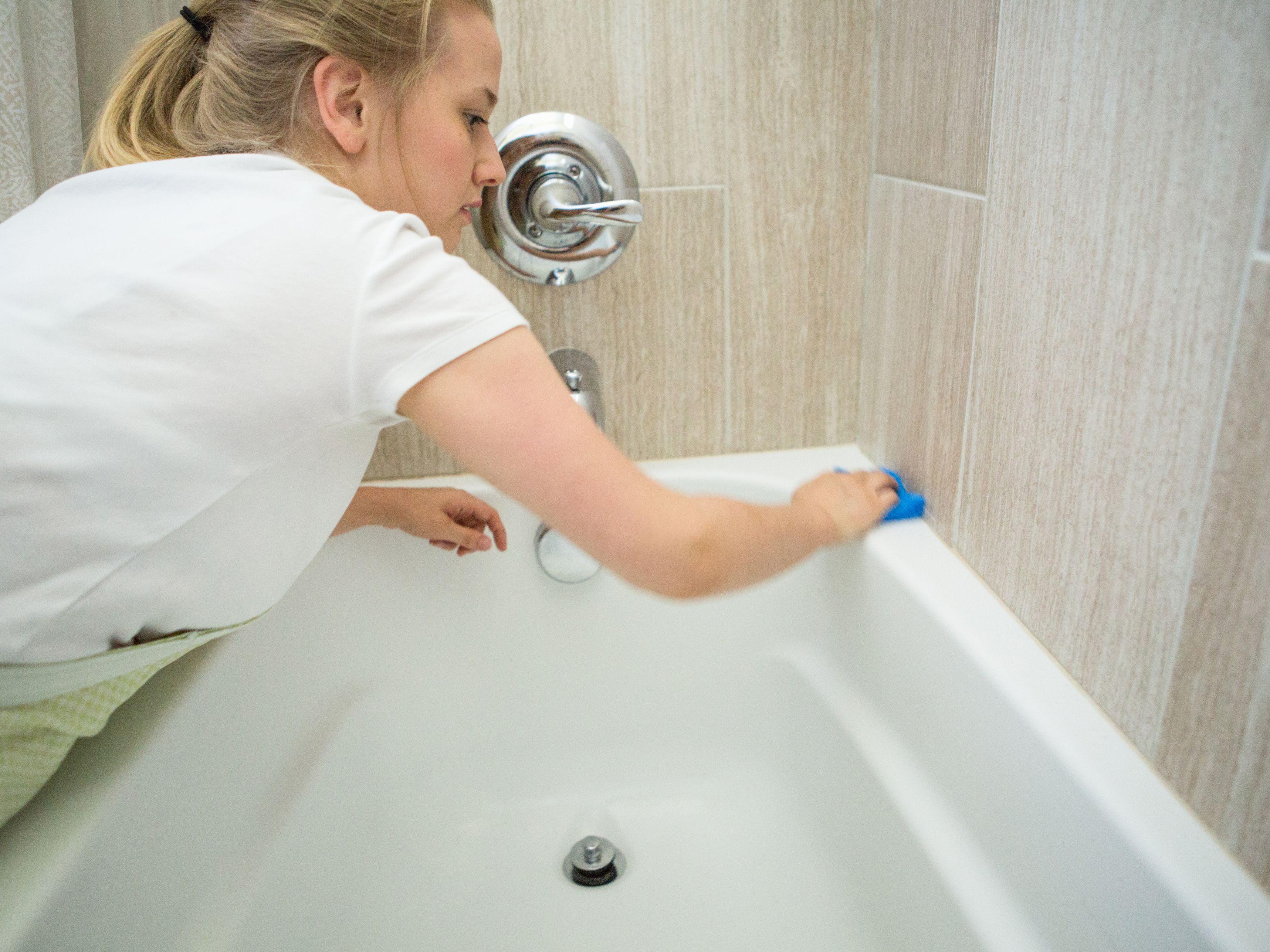 How To Clean A Reglazed Or Refinished Bathtub