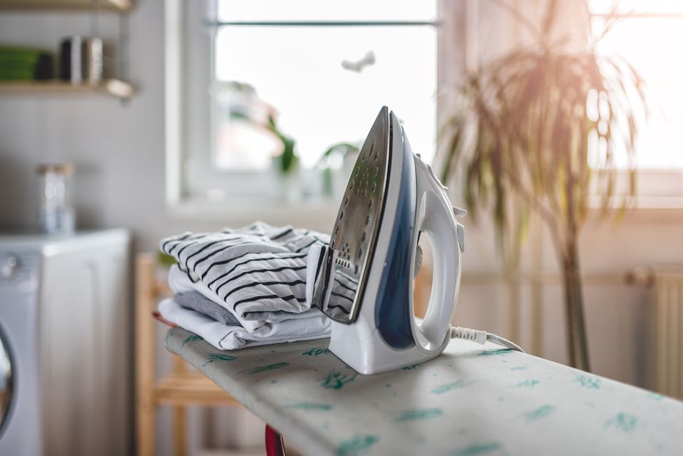 Choosing the right ironing setting for any fabric