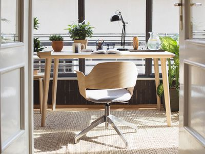office feng shui desk. Here\u0027s How To Feng Shui Your Desk · Office D