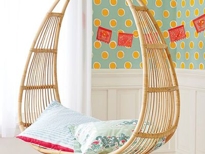 AphroChic: 6 Enchanting Hanging Bubble Chairs for Kids