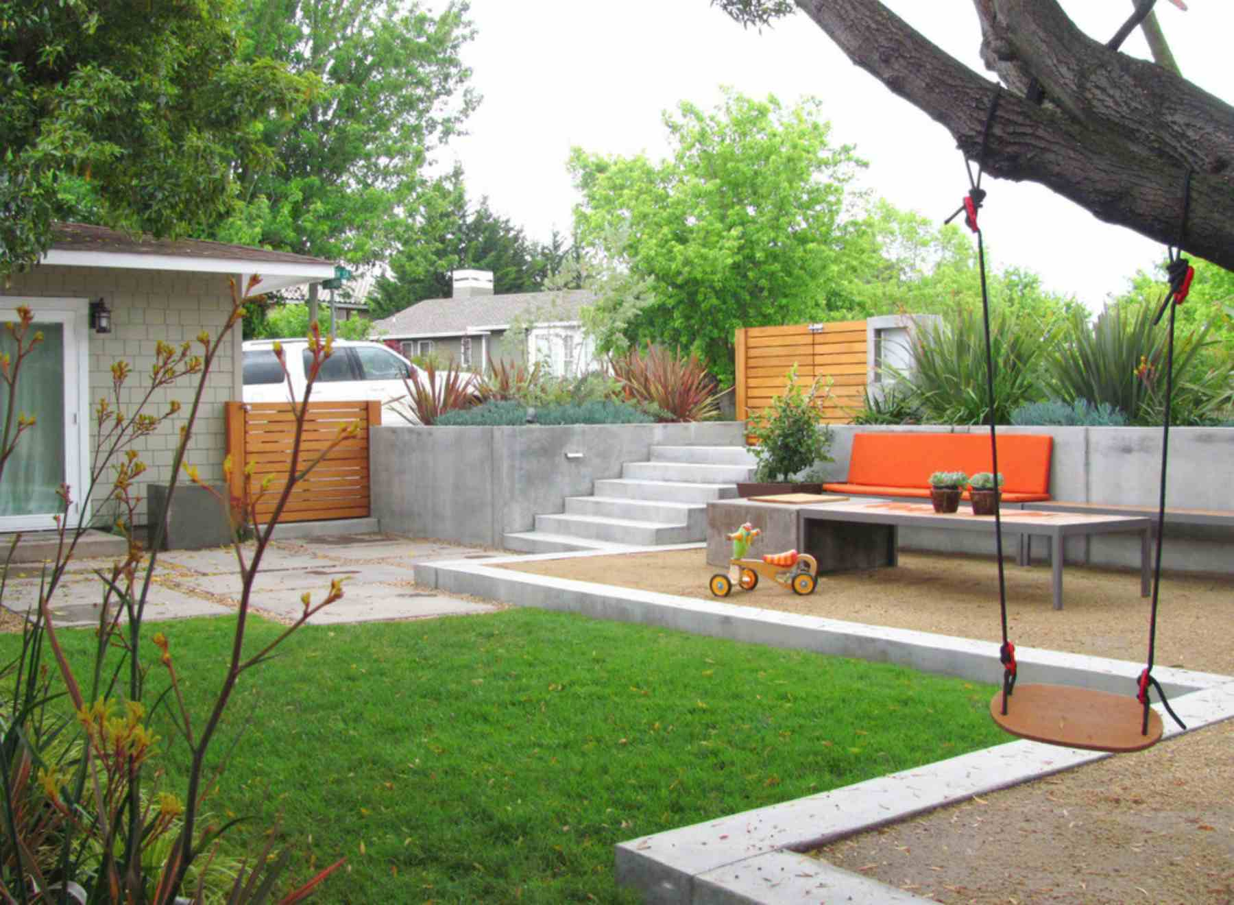 patio de juegos para niños al aire libre