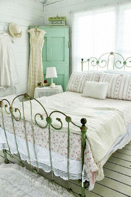 Country Vintage Bedroom