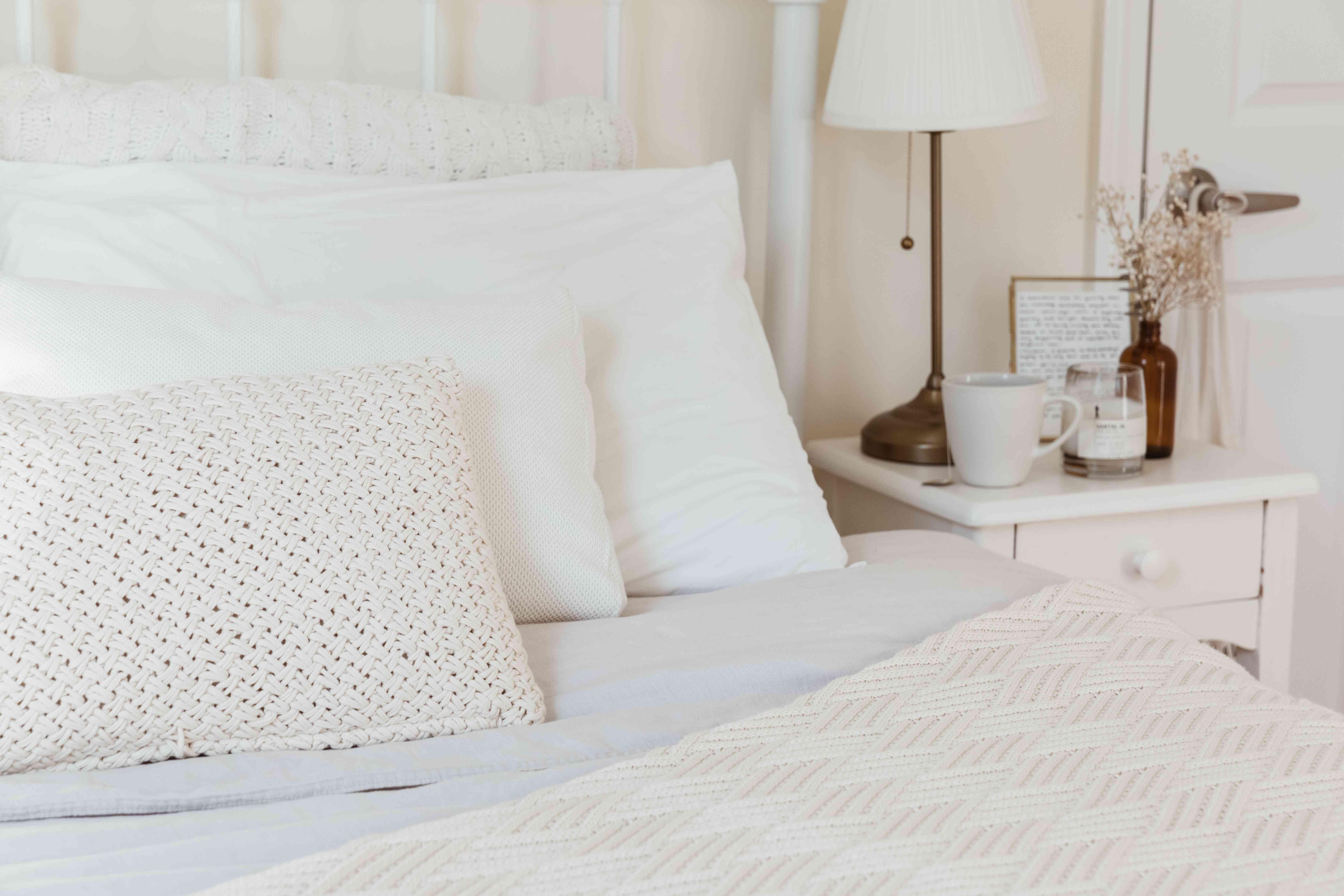 all-white bedding color scheme