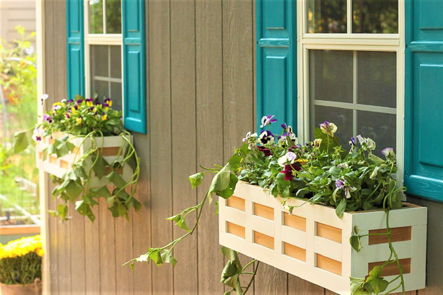 DIY lattice window box