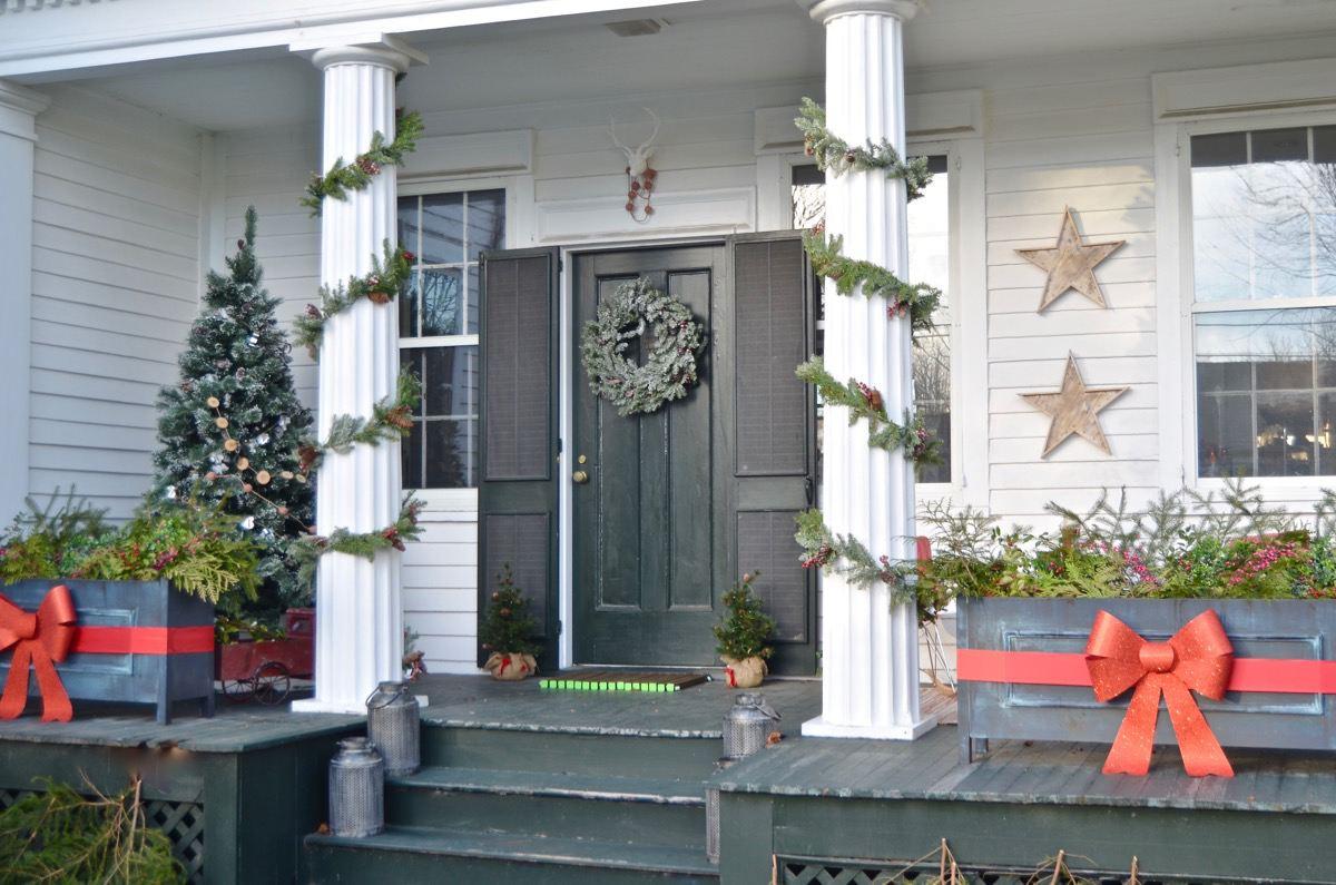 39 best christmas porch decorations