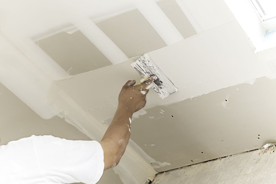 A main painting plaster into place