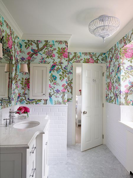 . 20 Beautiful Wallpapered Bathrooms