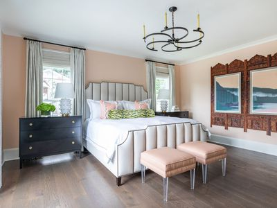 pale coral walls in bedroom