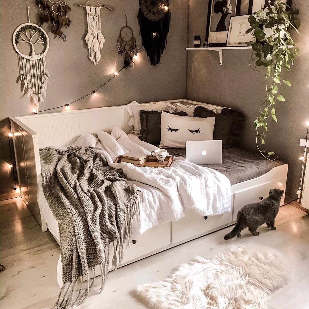 38 Tips For Decorating A Bedroom