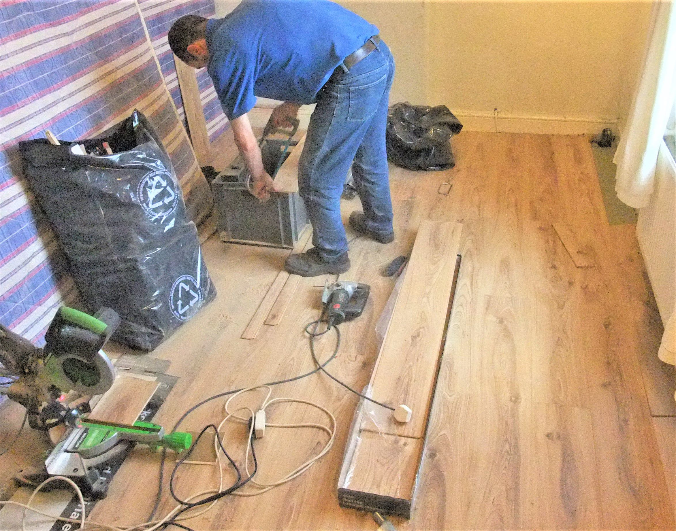 What Is Laminate Flooring Average Cost To Install Wood