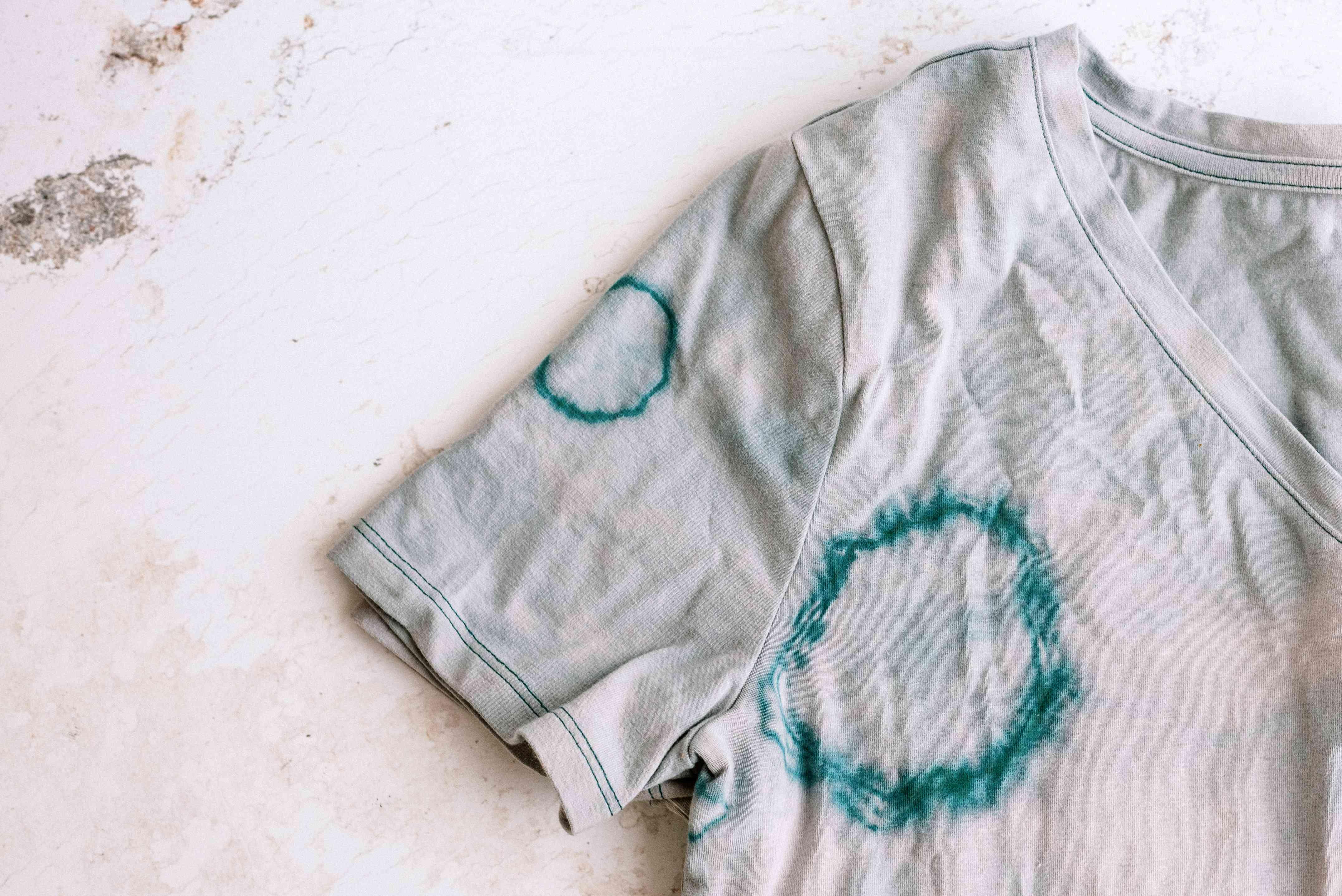 reverse tie-dye tee shirt