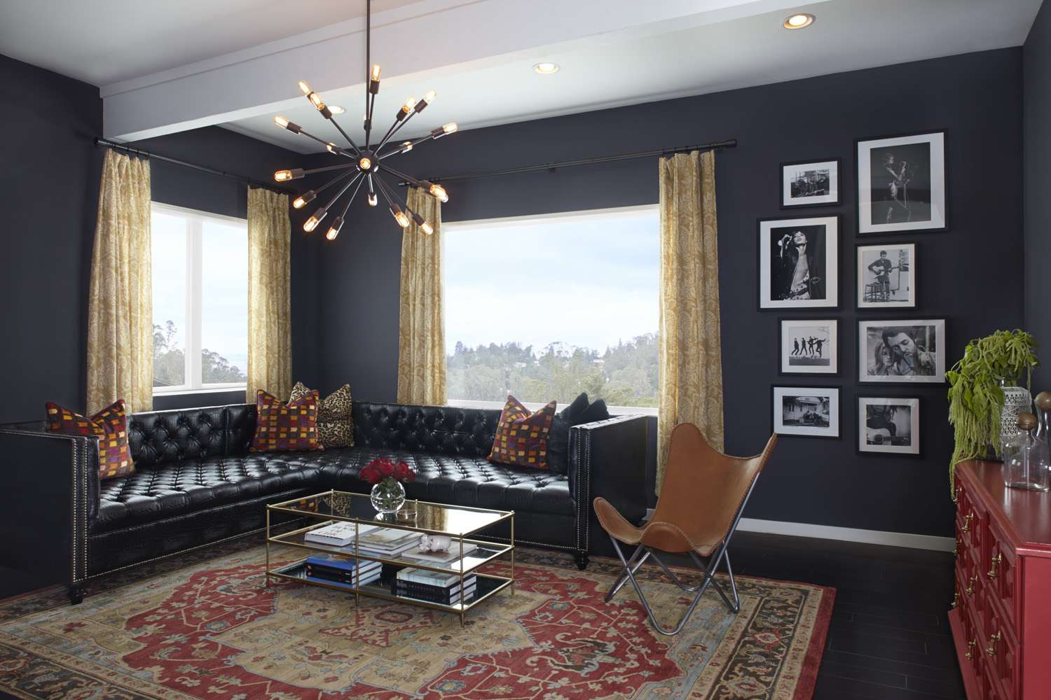 30 Beautiful Black Rooms