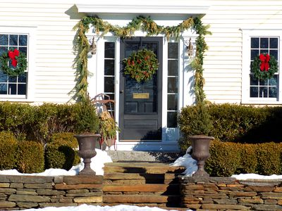 How to Hang an Evergreen Garland Around Your Door