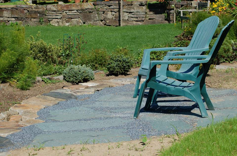 Image of bluestone paver patio.