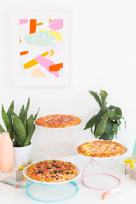 DIY Pizza Stand