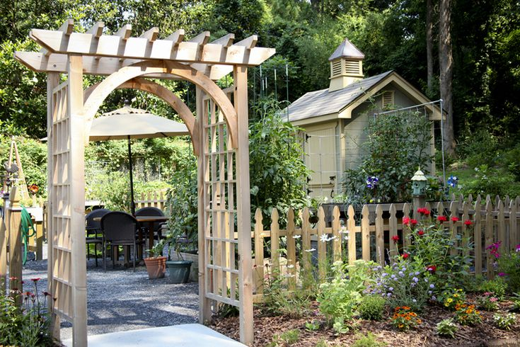 Peachy What Is The Difference Between A Pergola And An Arbor Bralicious Painted Fabric Chair Ideas Braliciousco