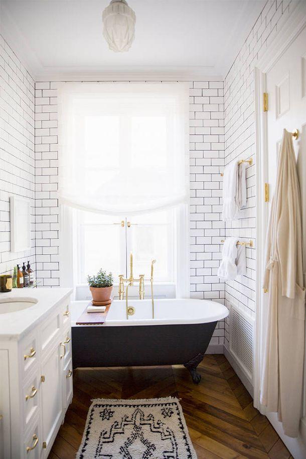 Clawfoot Tub Bathroom Ideas | 10 Beautiful Bathrooms With Clawfoot Tubs