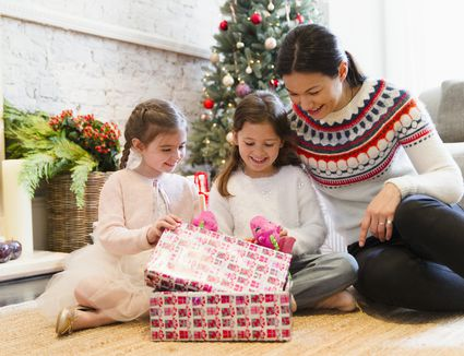 Family Christmas Gifts.7 Affordable Gifts For The Whole Family