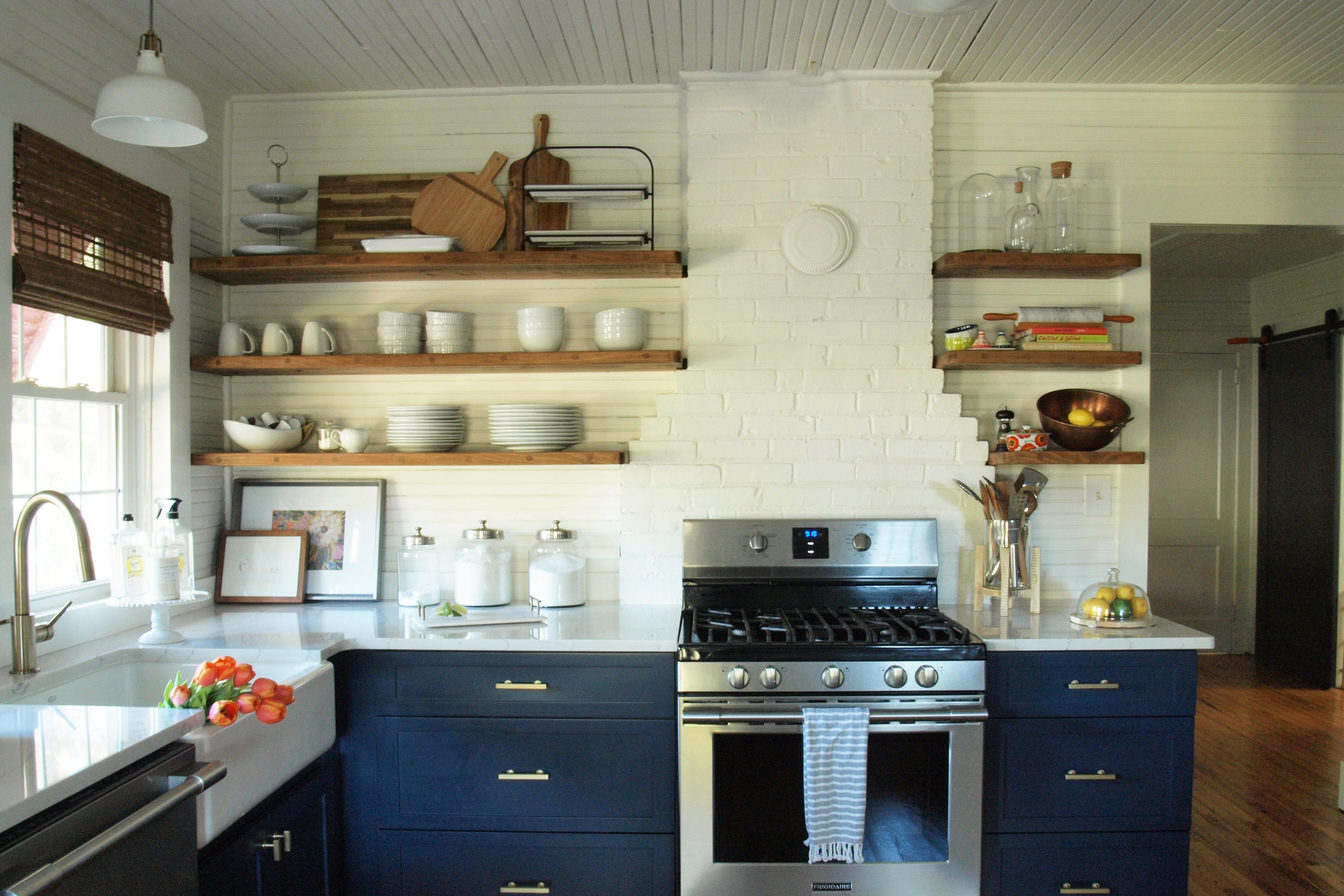 Gorgeous Modern Farmhouse Kitchens - How to fix up metal kitchen cabinets