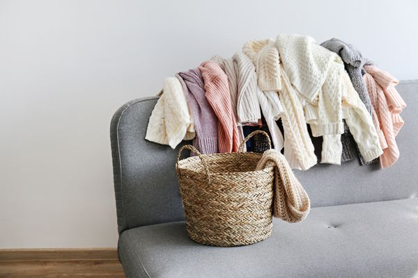 decluttering clothing