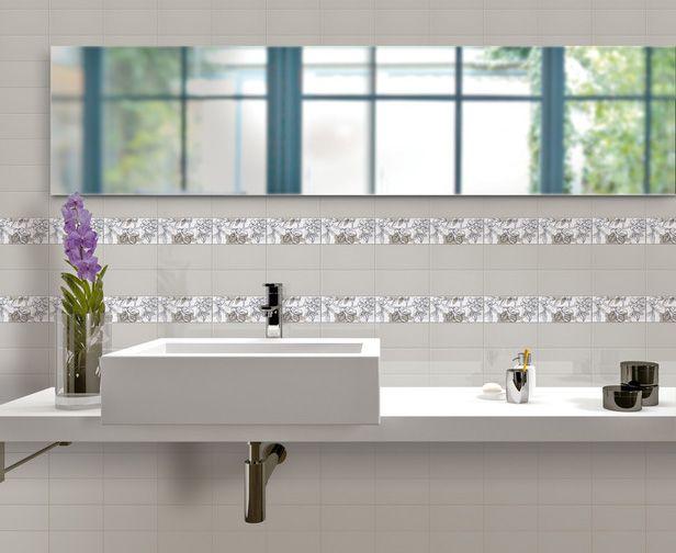 Baldosa de cerámica Florida Tile Streamline en el baño