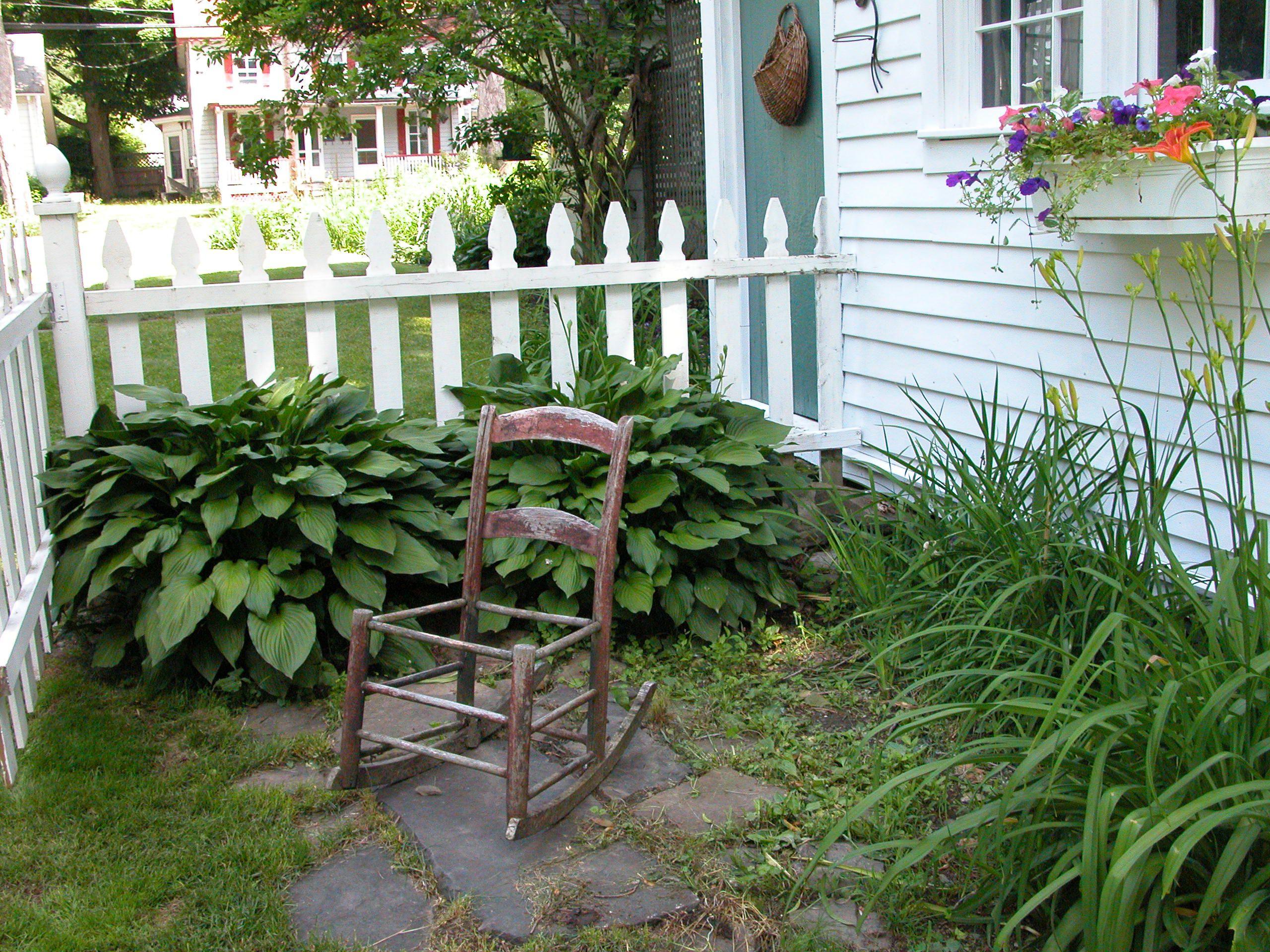 ¿Sentado en el jardín?