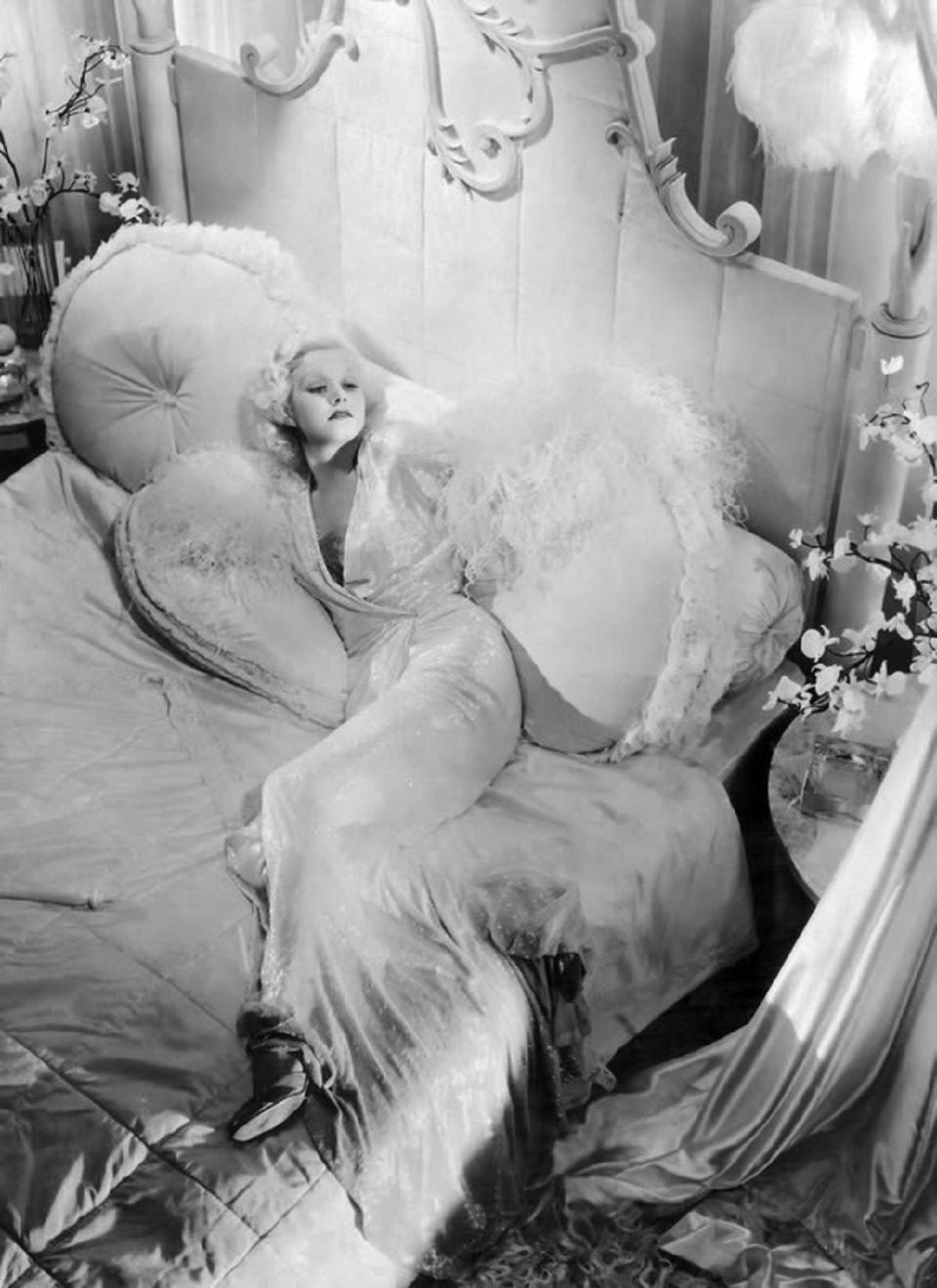 Jean Harlow in Dinner at Eight