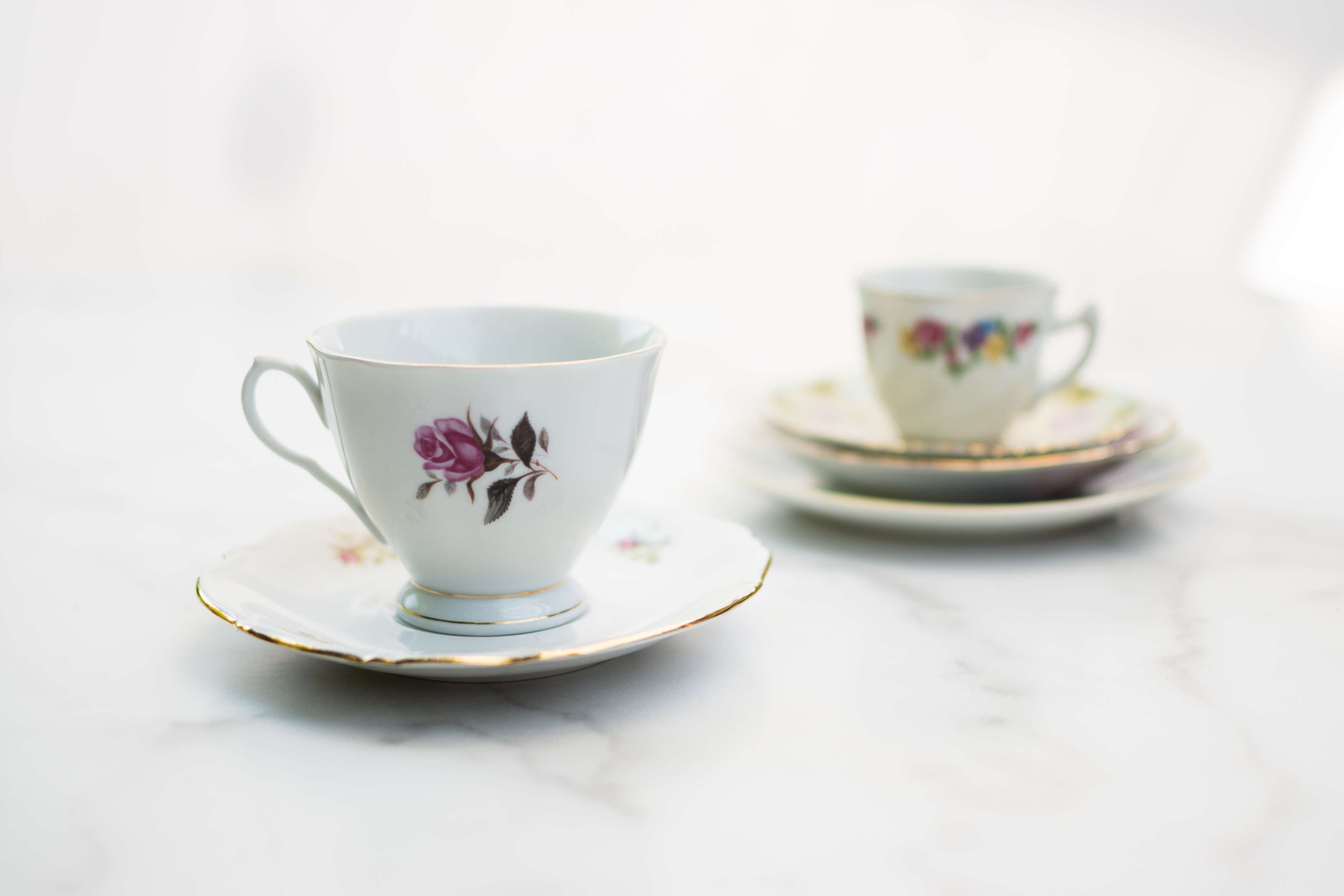 Vintage china cups and saucers not placed in dishwasher