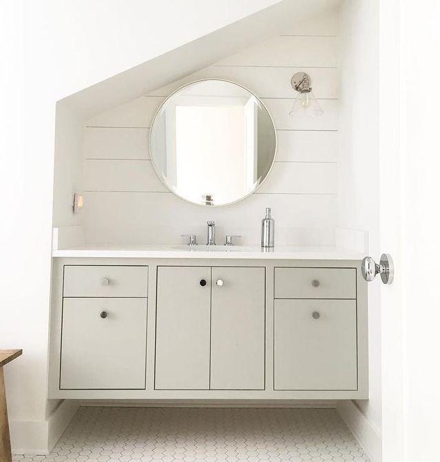 lavabo y tocador de baño de ático