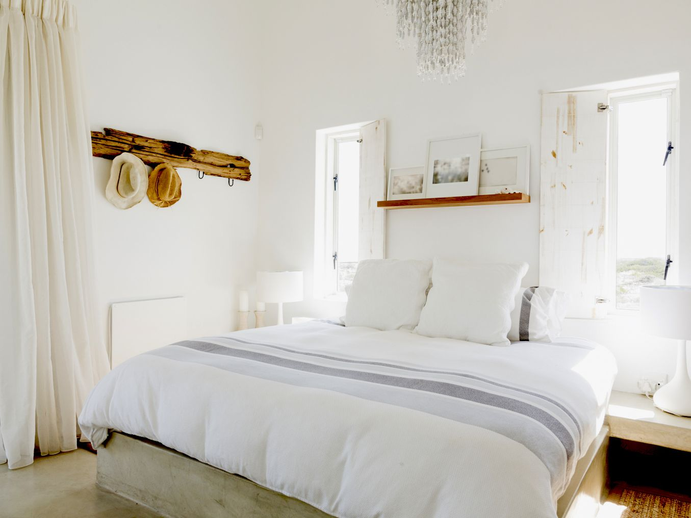 Home Staging Tricks To Enlarge Your Small Bedroom