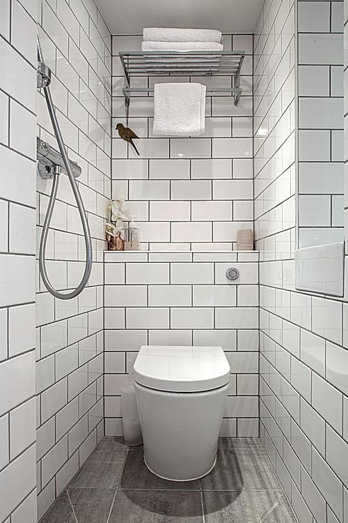 11 Great Ideas for Tiny Bathrooms