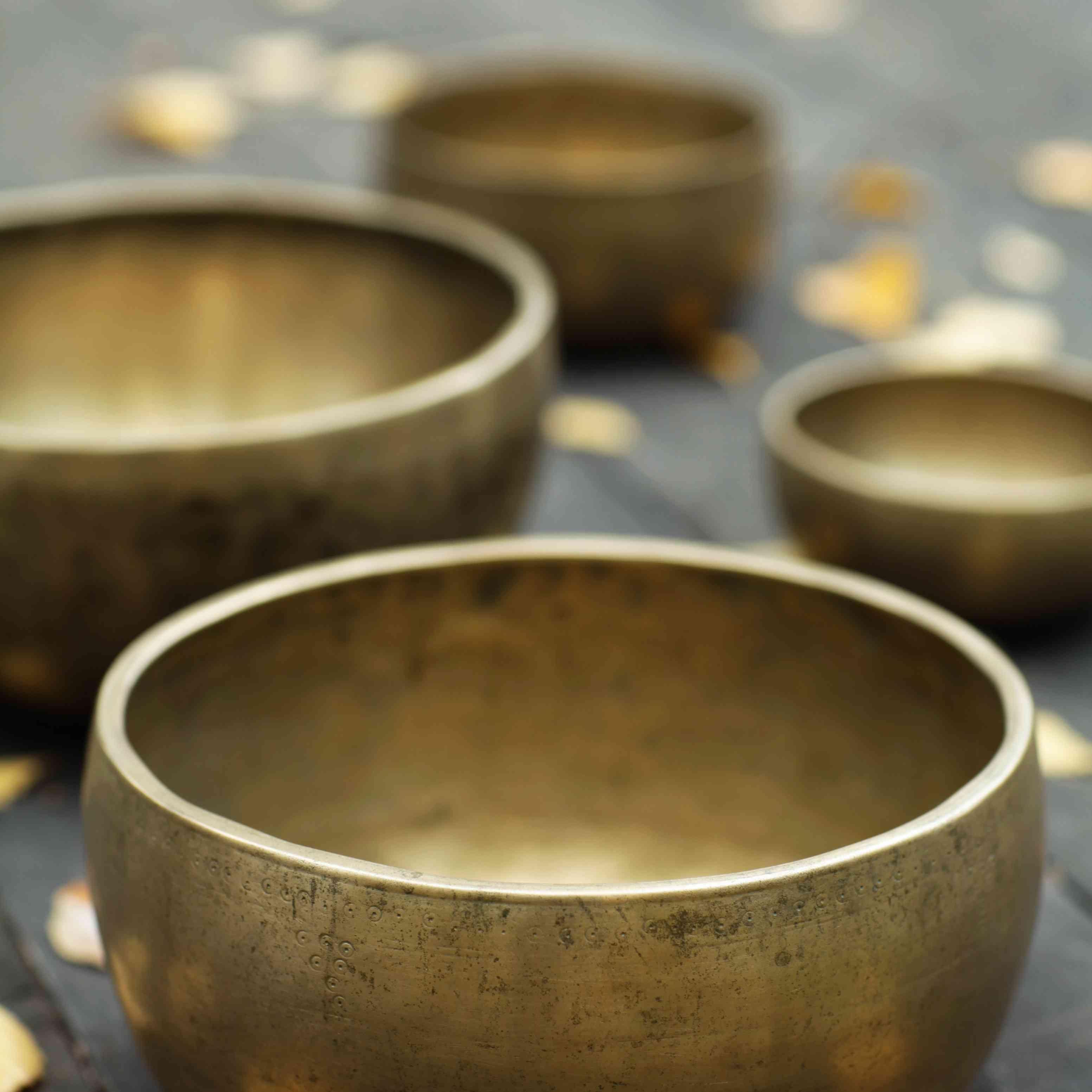 metal tibetan singing bowls