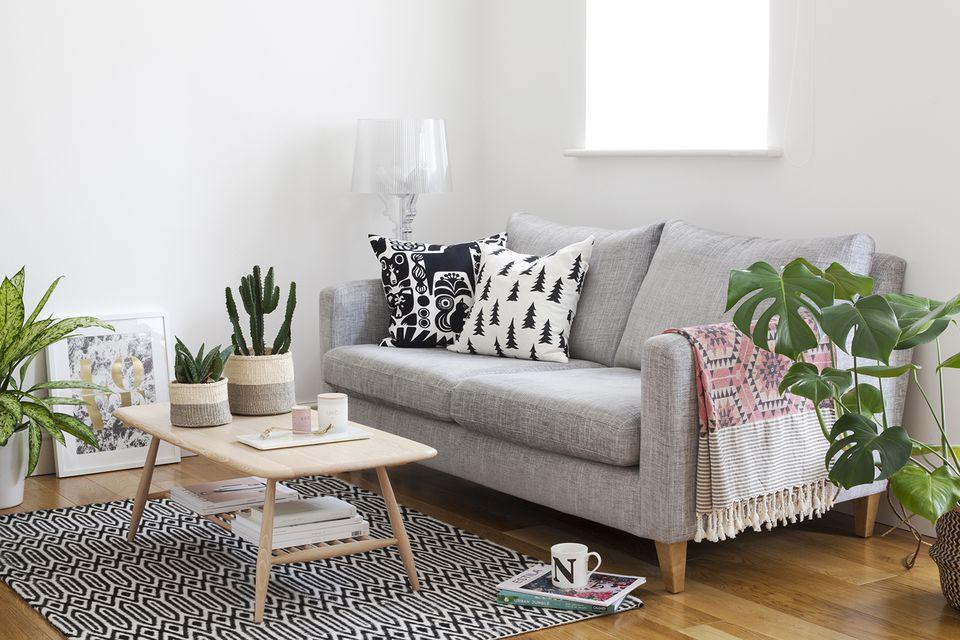 mala sofa - uređenje male dnevne sobe