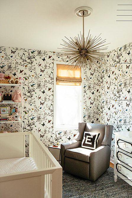 Vivero moderno con papel pintado inspirado en el país francés