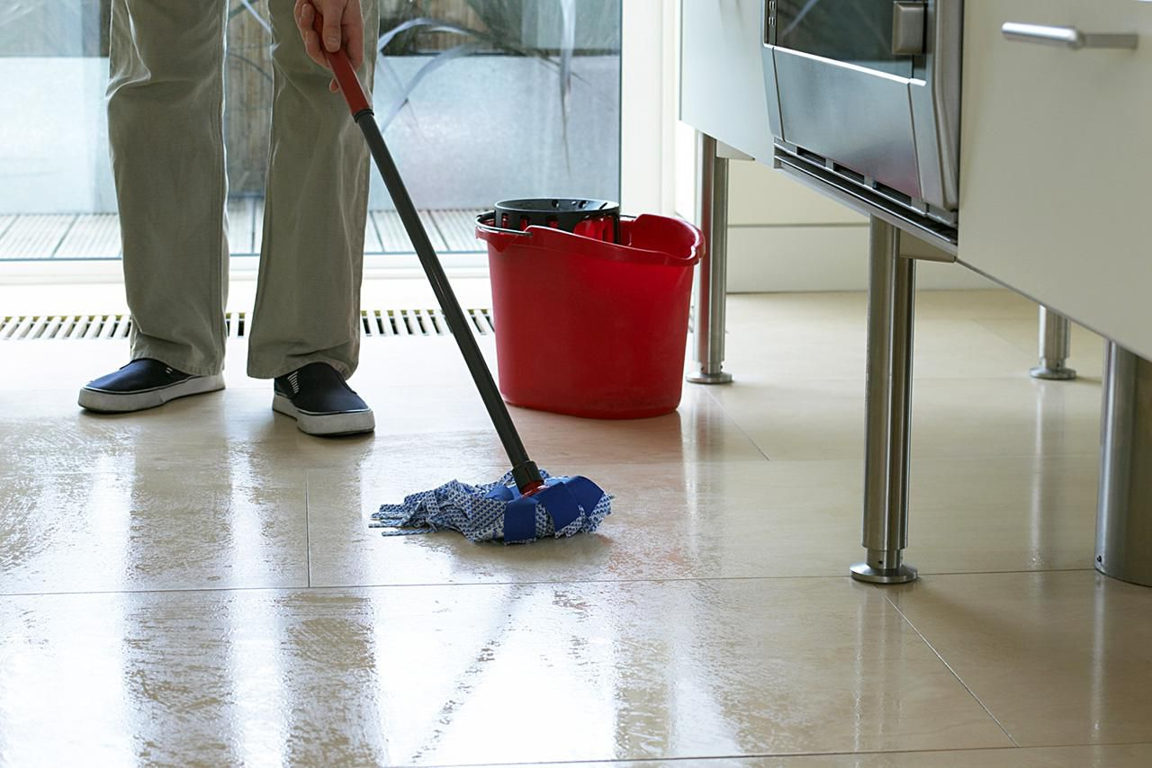 How To Mop Your Floor The Right Way - Best mopping solution for tile