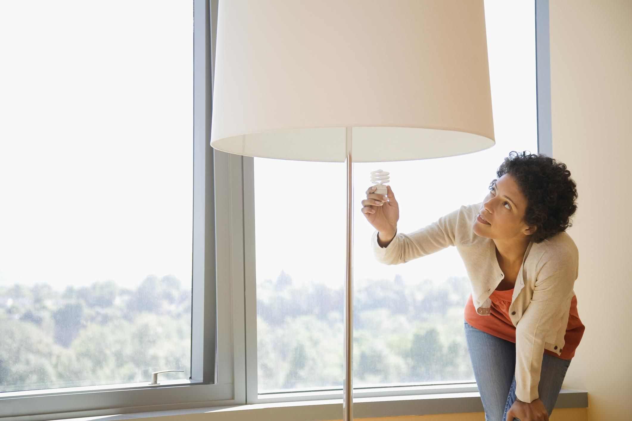 9 Reasons Why Your Light Bulbs May Be Burning Out Early
