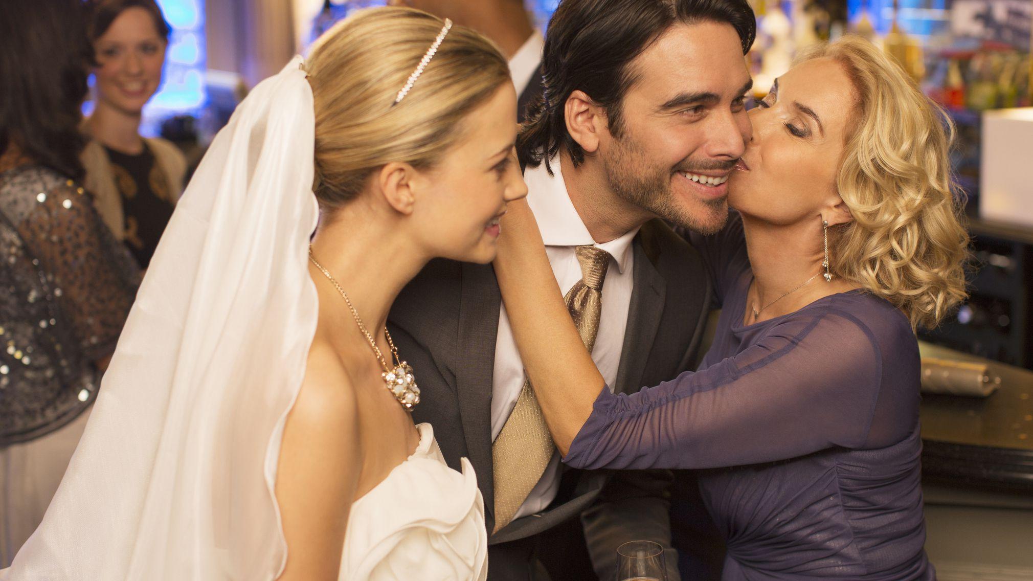 Advice For Issues Facing Every Mother Of The Groom,Zuhair Murad Sofia Vergara Wedding Dress