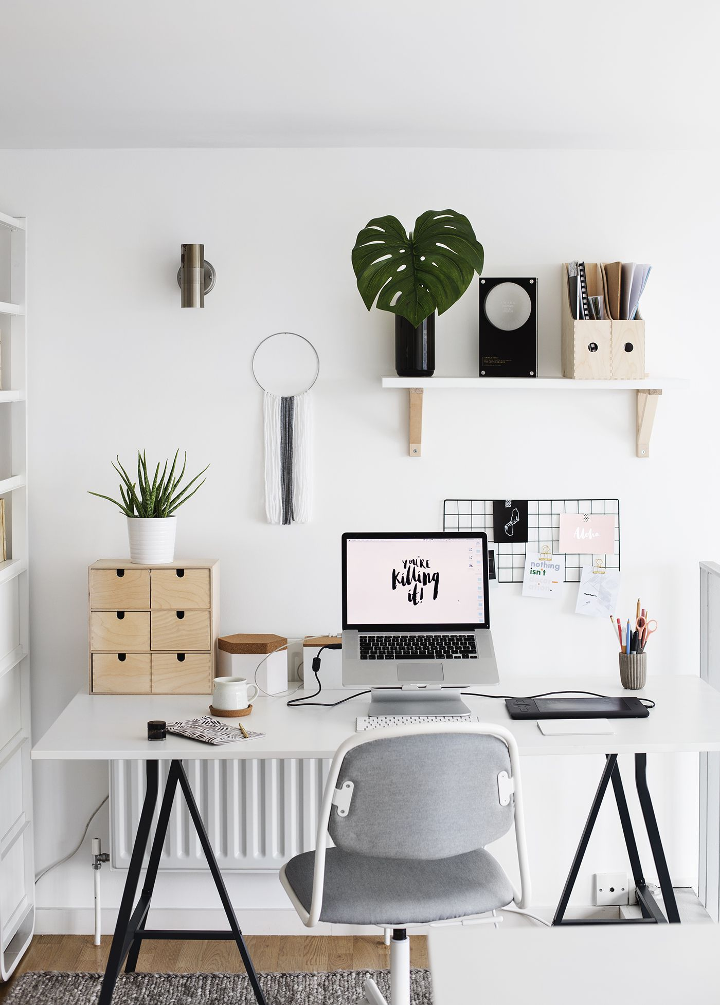 Office Room Design: 8 Office Decor Tips To Maximize Your Productivity