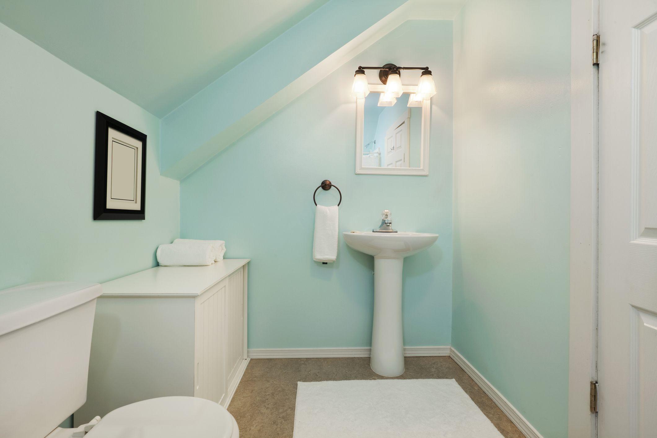 Posición del inodoro del medio baño