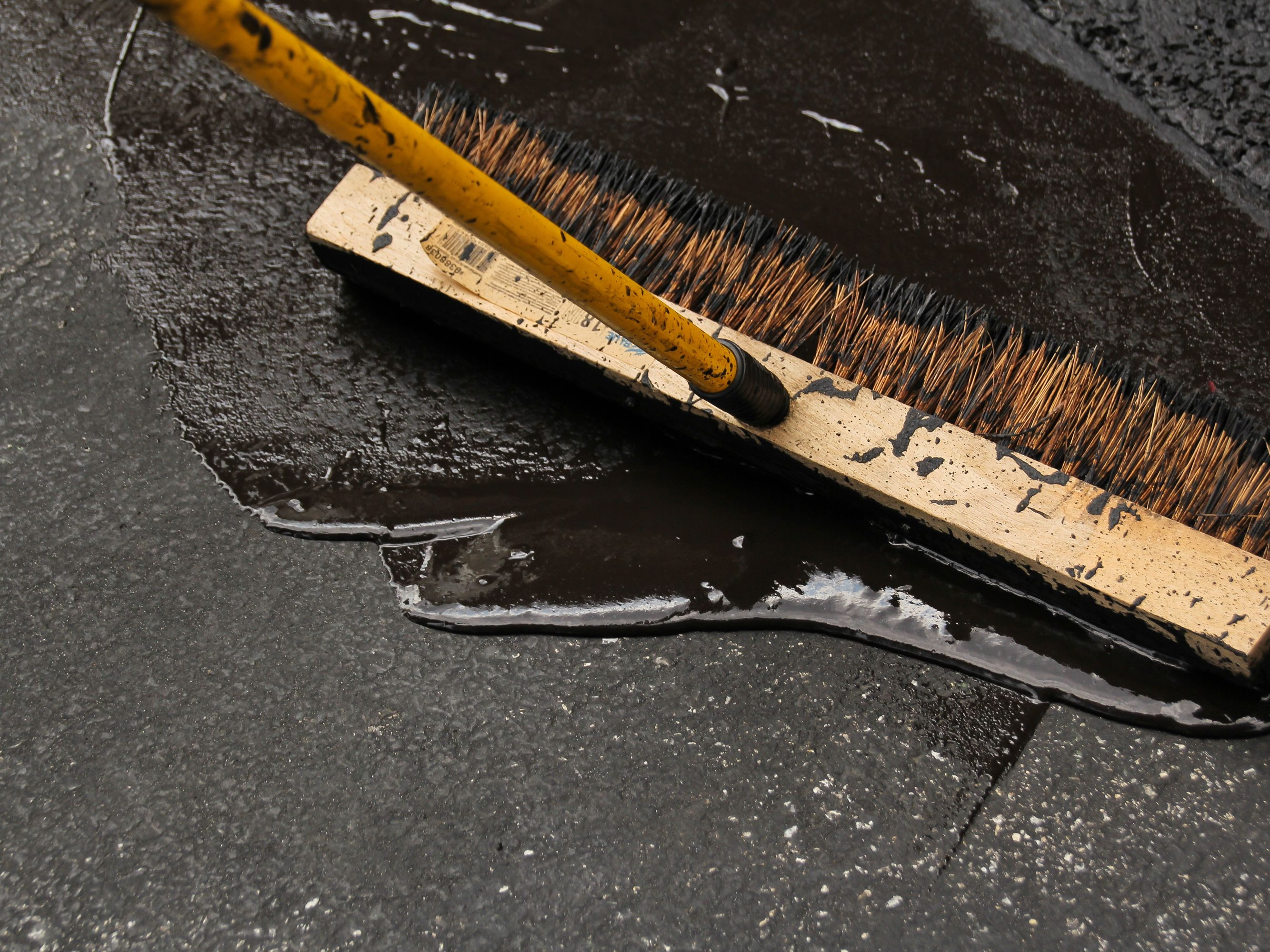 How To Seal A Driveway And Fix Cracks