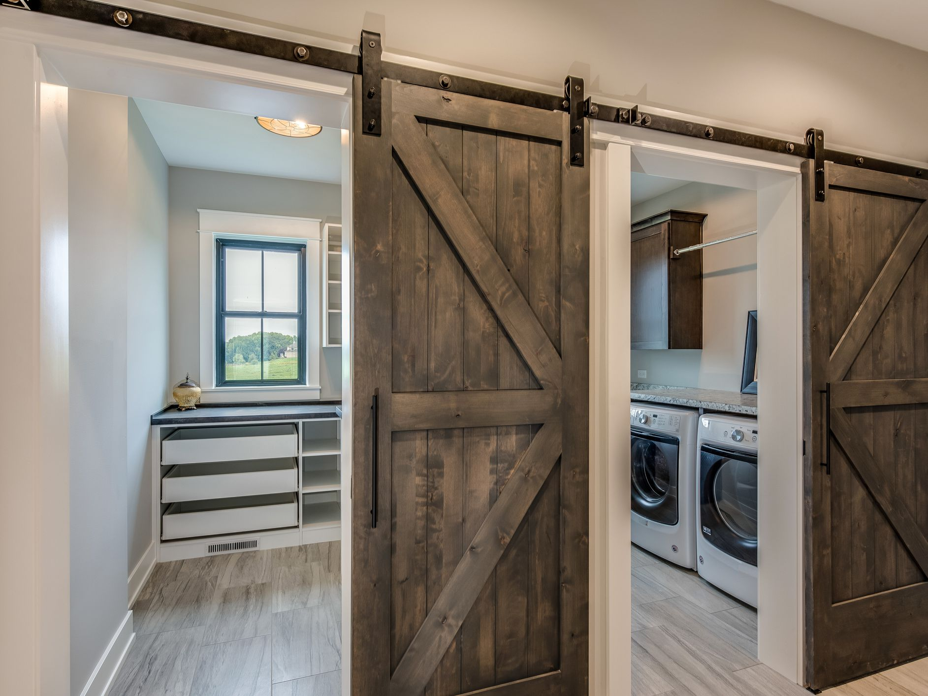 11 Ways To Decorate With Barn Doors