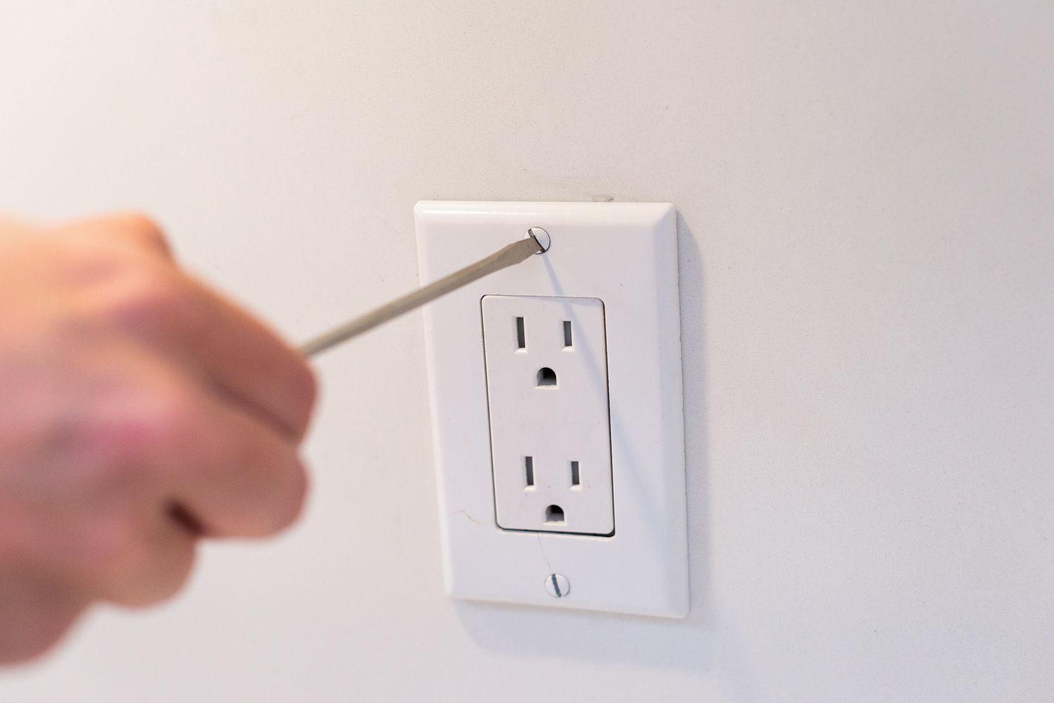 How To Wire And Install An Electrical Outlet Wiring Up Outdoor Socket