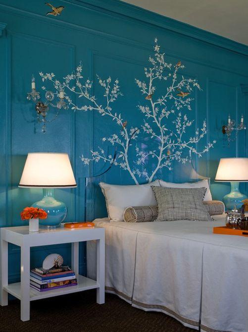 Hermoso mural de pared de pájaros y ramas en el dormitorio