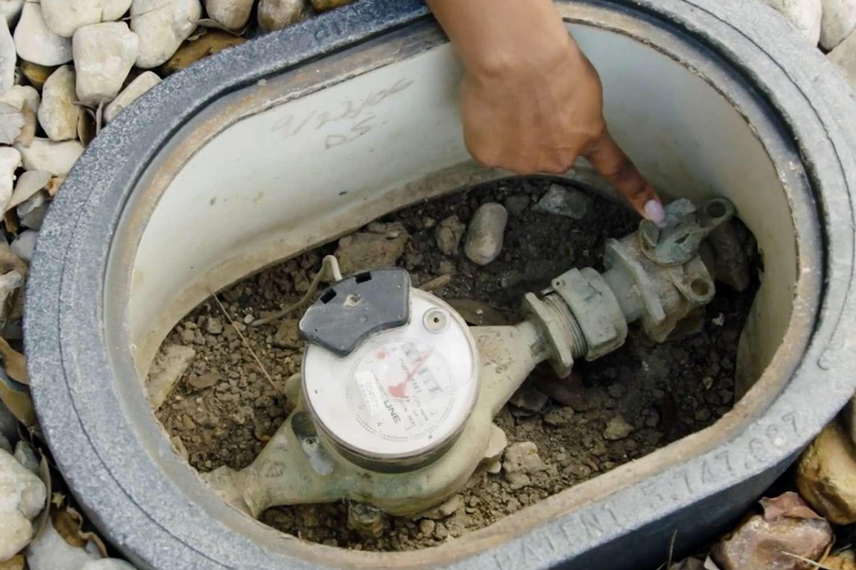 Water meter valve